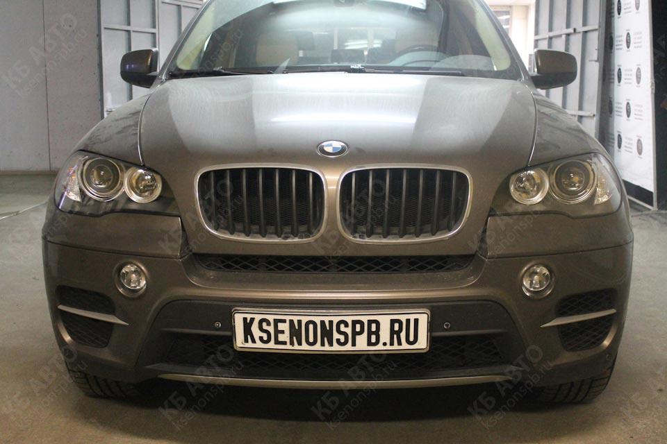 BMW X5 E70 — квадробилед, установка четырех светодиодных билинз Hella 3R LED с полностью рабочей функцией автокорректора на всех модулях, бронирование стекол полиуретановой пленкой SunTek PPF