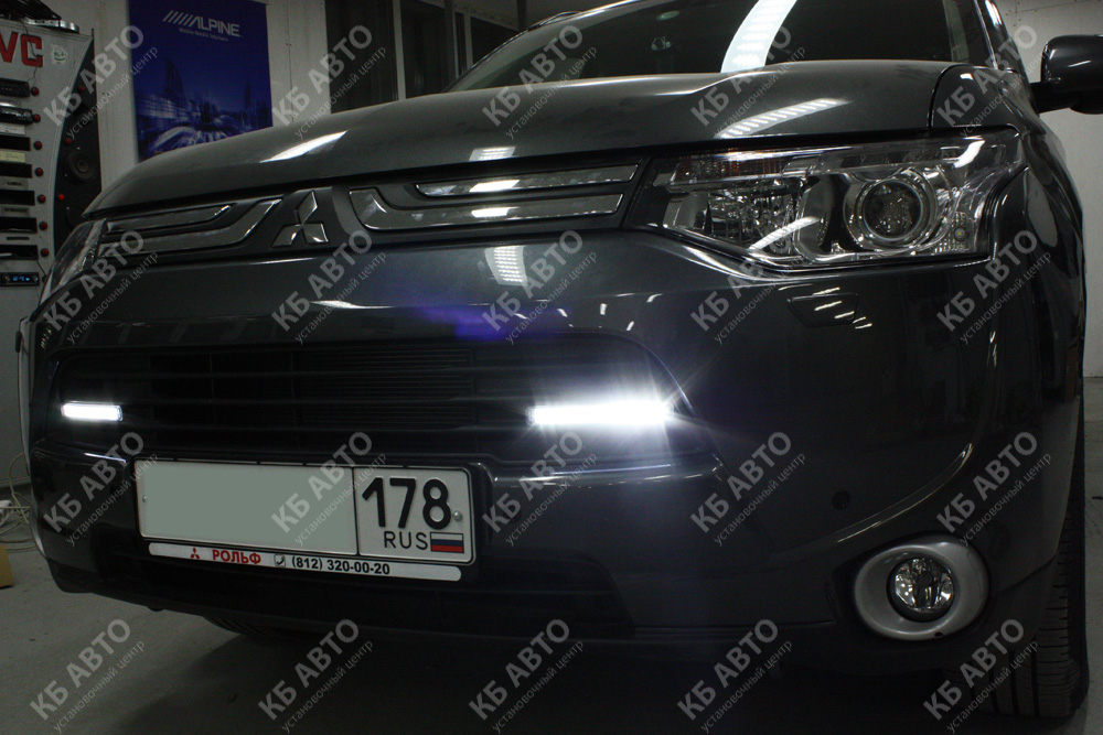 "<span class=""entry-title-primary"">MITSUBISHI OUTLANDER (2013)</span> <span class=""entry-subtitle"">Установка DRL Philips Daylight Guide</span>"