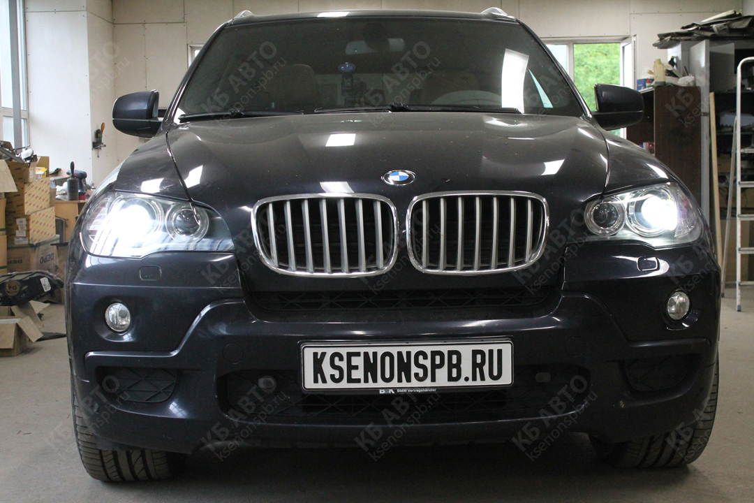 "<span class=""entry-title-primary"">BMW X5 E70</span> <span class=""entry-subtitle"">Замена стёкол фар</span>"