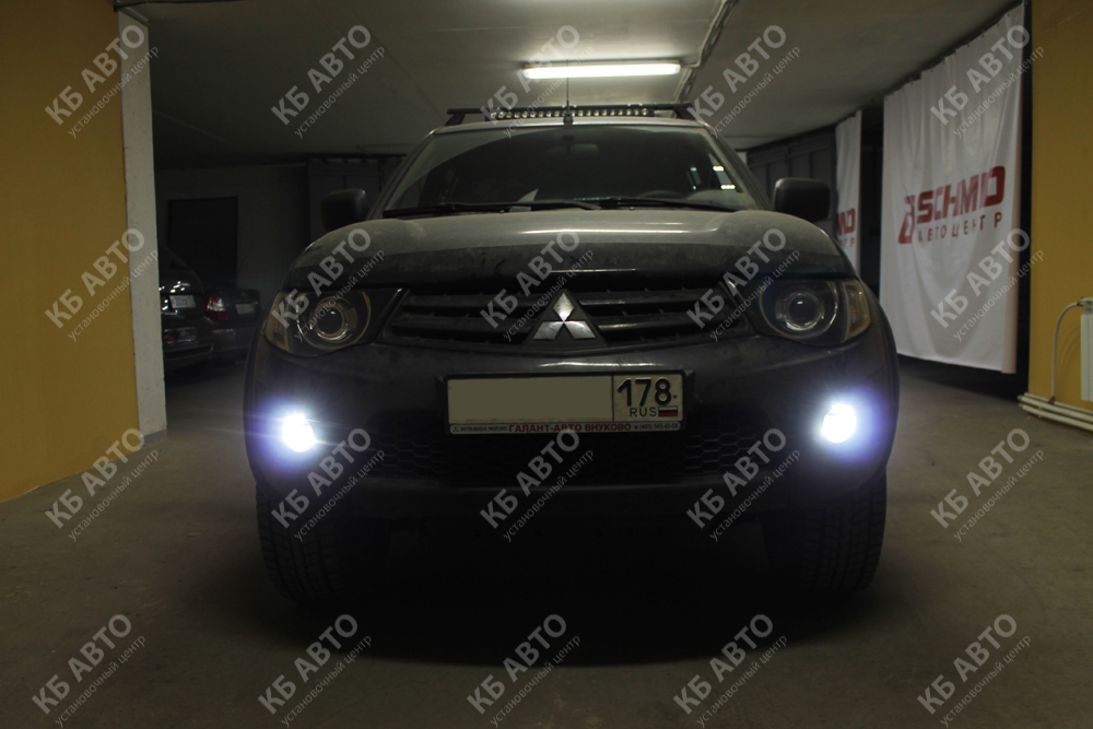 "<span class=""entry-title-primary"">MITSUBISHI L200</span> <span class=""entry-subtitle"">Ретрофит оптики + ДХО ОСРАМ + LED прожектор</span>"
